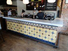 "Mostrador de ""Jose Sherry & Tapas Bar"" en Londres http://www.ceramicacampos.com/catalogo/zocalo_azulejo_estilo_rustico_CS8554.html"