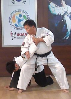 """Basic Hapkido Technique - """"Hapkido cannot be done in your head, it does not come from your mind. No matter how smart you are, it will not improve your Hapkido. Hapkido comes from your body. The movements must be somatic ... or it is not Hapkido."""""""