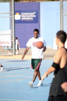 Brandon Jennings Brandon Jennings, Milwaukee Bucks, Deer, Running, Sports, Hs Sports, Keep Running, Excercise, Why I Run