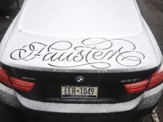— Snow script by Faust / Featured typography – http://mindsparklemag.com/?sparkles%2Fsnow-script-by-faust.html