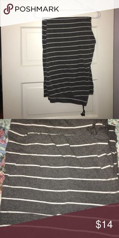 Gilligan O'Malley striped pants Charcoal with white stripes they have pockets and a draw string!☘️🍀 like new!! Gilligan & O'Malley Pants Track Pants & Joggers