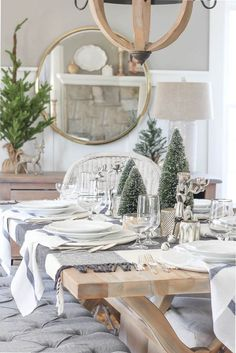 Farmhouse Christmas DIY Goodness and Inspiration - The Cottage Market Wooden Christmas Decorations, Christmas Table Settings, Christmas Tablescapes, Holiday Tables, Table Decorations, Christmas Kitchen, Christmas Home, Christmas Holidays, Christmas Ideas