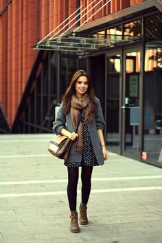 Black tights, gray cuffs and brown boots – Best Fall Season Outfits & Dresses Looks Chic, Looks Style, Dress Outfits, Casual Outfits, Fashion Outfits, Dress And Tights Outfit, Geek Chic Outfits, Dress Leggings, Scarf Dress