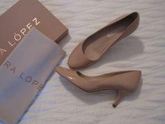 Nude Pura Lopez pumps (from http://imwearingwhite.blogspot.fi/2013/03/pura-lopez-pure-love.html)