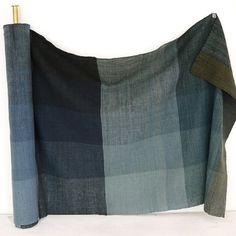 birdcagewalk:  weftwarp:Taikokutan Aihand spun cloth navy blue block check