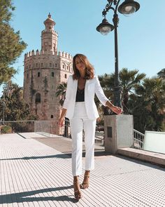 Woman All White Outfits graduation outfit ideas Timeless Black and White Outfits Business Casual Outfits, Professional Outfits, Office Outfits, Classy Outfits, Formal Outfits, Fashion Mode, Work Fashion, Fashion Looks, Looks Street Style