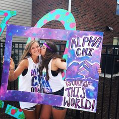 Alpha Chi Omega Out of this World Bid Day theme