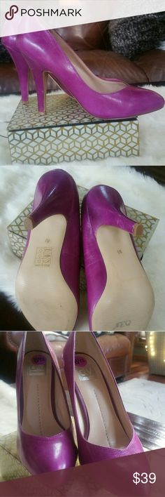 New Dolce Vita Leather Pumps Heels 8.5 Purple Pink This a pair of gorgeous Dolce Vita Leather Pumps that are a very unique color! They almost look like the color of Purple Play dough, vibrant purplish pink. (Don't you love my description). They are women's size 8.5. The heel height is around 4.25 inches. These were a display unit, so they may have been tried  on multiple times or tossed around a bit but never worn outside of a store. **PRICED TO SELL**  Please let me know if you have any…