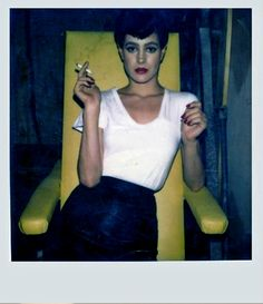 Do you like our owl?    Awesome polaroids from the making of Blade Runner.