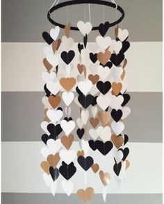 Baby room decor - Heart shape paper mobile Blackwhite and gold Baby room decoration Wedding decoration home decoration Child baby decor Baby Room Decor, Diy Bedroom Decor, Diy Home Decor, Wall Decor, Room Baby, Child Room, Baby Bedroom, Wall Art, Nursery Decor