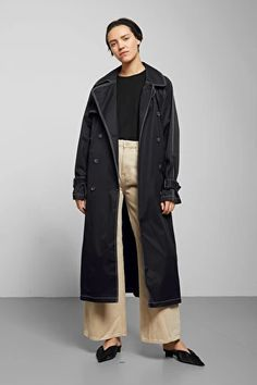 T he Isa Trench Coat is all about a classic look and tailoring. Iconic trench details include a big, rounded collar, a back yoke, . Best Winter Coats, Winter Coats Women, Classic Looks, Amazing Women, Jackets For Women, Black Jackets, Winter Outfits, Street Style, Clothes