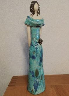 Pottery Sculpture, Sculpture Clay, Ceramic Figures, Bottle Art, Arts And Crafts, Dolls, Statues, Vases, Inspiration