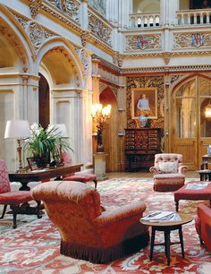 Looking forward to an evening with Lord and Lady Carnarvon in September at Highclere Castle, sipping on champagne while standing in this magnificent saloon
