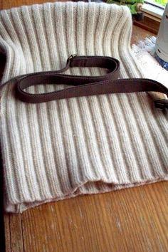 Reciclado de lana suéter mensajero bolsa monedero por LazyTcrochet