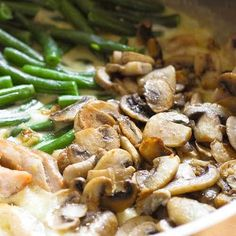 One Skillet Chicken with Green Beans and Mushrooms boasts fresh ingredients only. You will not find any canned cream soup here. Green Bean Dishes, Green Bean Recipes, Chicken Green Beans, Pan Green Beans, Cooking Recipes, Healthy Recipes, Meal Recipes, Top Recipes, Side Recipes