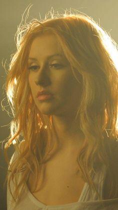 "Christina Aguilera en ""You Lost Me"" - - Christina Aguilera, Beautiful Christina, Celebrity Moms, Celebrity Style, Anna Nicole Smith, You Lost Me, Mariska Hargitay, Sarah Michelle Gellar, Natural Eye Makeup"