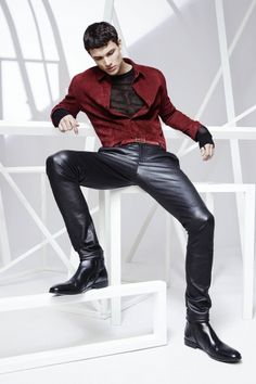Enter in the Jitrois universe and discover the women's and men's clothing from the stretch leather designer Mens Leather Pants, Tight Leather Pants, Men's Leather, Fashion Moda, Fashion Line, Mens Fashion, Jeans En Cuir, Leder Outfits, Hommes Sexy