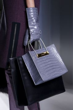 Balenciaga Fall 2014 RTW - Details - Fashion Week - Runway, Fashion Shows and Collections - Vogue Fall Handbags, Hermes Handbags, Purses And Handbags, Color Lavanda, Chanel, Beautiful Bags, My Bags, Tote Bags, Lanvin