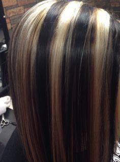 dark brown , blonde , and Carmel highlights - Modern Highlights For Dark Brown Hair, Dark Blonde Hair, Carmel Highlights, Brown Blonde, Dramatic Highlights, Chunky Highlights, Blue Brown Hair, Medium Hair Styles, Long Hair Styles