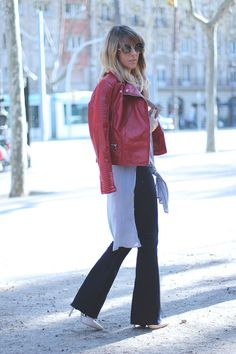 FLARED JEANS   RED BIKER | PIMKIE Street Style by fashion blogger Monica Sors