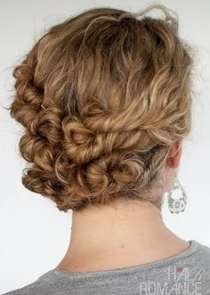 Hairstyle Tutorial - Easy Twist and Pin updo for curly hair - Hair Romance Easy Curly Updo, Curly Hair Updo, Long Curly Hair, Curly Hair Styles, Natural Hair Styles, Big Updo, Twisted Updo, Wavy Hair, Dyed Hair