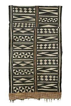A Fijian tapa cloth --The long narrow triangles