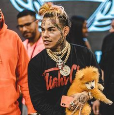Today, it was revealed that the rapper's former gang cohorts orchestrated a shooting. Trap, Daniel Hernandez, Good Traits, Rapper Art, Free Beats, Best Rapper, Lil Pump, Hip Hop Artists, Baby Daddy