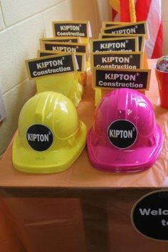 Yellow hats for boys, pink hats for girls! Love the pink hats. Construction Birthday