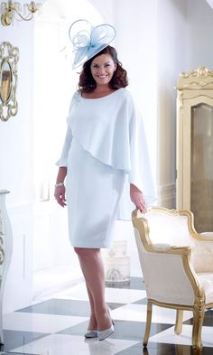 5 collections, 2 designers and two important ladies to dress! Over 50 Modern Mother of the bride and groom outfit ideas will leave them spoilt for choice. Mother Of Bride Outfits, Mother Of Groom Dresses, Mothers Dresses, Periwinkle Blue Dress, Mother Of The Bride Plus Size, Event Dresses, Bride Dresses, Hippie Dresses, Ivory Dresses
