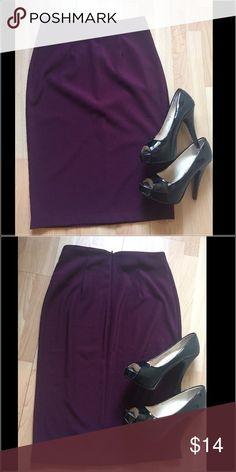 Forever 21 dark purple skirt medium Beautiful skirt! Forever 21 Skirts Pencil