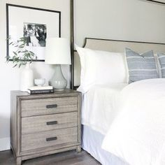 white and black neutral master bedroom decor Dream Bedroom, Home Bedroom, Master Bedroom, Bedroom Decor, Bedrooms, New Furniture, Bedroom Furniture, Furniture Dolly, Furniture Removal