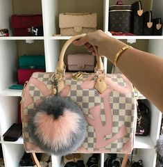 New LV Collection For Louis Vuitton Handbags,Must. - Bags and Purses 👜 Chanel Handbags, Luxury Handbags, Louis Vuitton Handbags, Fashion Handbags, Purses And Handbags, Fashion Bags, Designer Handbags, Designer Bags, Cheap Handbags