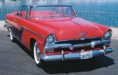Plymouth's 1955 vehicles represented a welcome change from previous years' designs. Learn about the 1955 Plymouth and see photos at HowStuffWorks. Retro Cars, Vintage Cars, Antique Cars, Vintage Auto, My Dream Car, Dream Cars, 1950s Car, Plymouth Belvedere, Plymouth Cars
