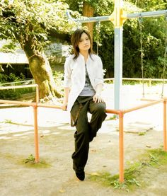 Image Capri Pants, Singer, Japan, Fashion Outfits, Suits, Image, Clothes, Writers, Musicians