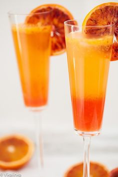 Blood Orange Sparkler (French Gin, Sparkling Wine, Simple Sugar and Blood Orange Drink. Will use this for Clemson Games. Fancy Drinks, Cocktail Drinks, Cocktail Recipes, Refreshing Drinks, Yummy Drinks, Non Alcoholic Drinks, Beverages, Smoothies, French 75