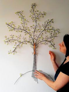 Wire Crafts, Metal Crafts, Wire Wrapped Jewelry, Wire Jewelry, Stylo 3d, Wire Jig, Sculpture Lessons, Wire Tree Sculpture, Wire Flowers