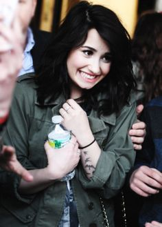 Demi Lovato one of my favourite pictures Demi Lovato Hair, Demi Love, Beauty Forever, Hollywood Actor, Grunge Hair, Famous Faces, Role Models, Pretty Woman, Selena