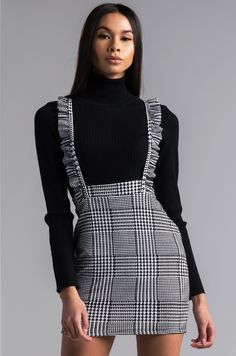 AKIRA Houndstooth Ruffle Strap Overall Mini Dress in Black White : Front View Scotty Skirt Overall in Black White 6th Form Outfits, Couple Outfits, Winter Fashion Outfits, Look Fashion, Spring Outfits, Skirt Outfits, Chic Outfits, Overalls Outfit, White Overalls