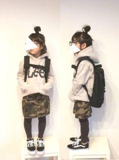 Lilick0408くんが同じパーカーにカモフラパンツ合わせてて、 やってみたかったコーデです(♡ˊ Kids Girls, Cute Girls, Cool Girl, Cute Fashion, Diy Fashion, Kids Outfits, Cute Outfits, Kid Styles, Toddler Fashion