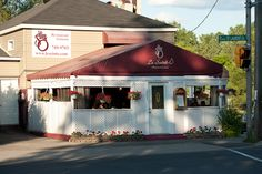 Le Saint-O French Restaurant