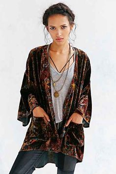 Ecote Lacey Velvet Kimono - Urban Outfitters