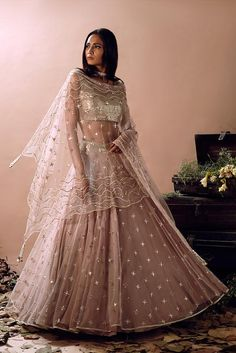 Go Traditional and make your look impressive by wearing Indian designer Lehenga - from top Indian designers in the United States of America. indiasPopup is USA's premier online shopping store for Indian designer lehenga. Indian Lehenga, Lehenga Choli, Anarkali, Nikkah Dress, Lehnga Dress, Indian Bridal Outfits, Bridal Dresses, Indian Wedding Clothes, Desi Wedding Dresses