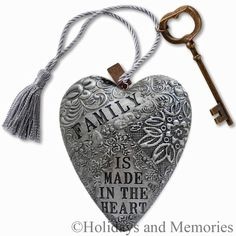Family is made in the heart Art Heart Sculpture 1003480005