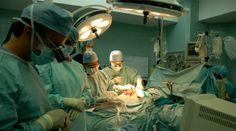 Cada vez que nuestro equipo médico entra al quirófano, lucha por hacer #MasVidasPosibles... ¡Compártelo con todas tus amistades!