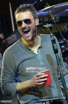 469453169-singer-songwriter-eric-church-celebrates-the-gettyimages.jpg (390×594)