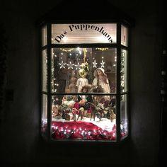 Ein echter #Geheimtipp für #Puppenmamis ist das #Puppenhaus in #Bayreuth. Es befindet sich im schmalsten Haus der Stadt in der Kämmereigasse.  #wagnerstadt #oberfranken #franken #puppen #puppendoktor #weihnachten #instagram