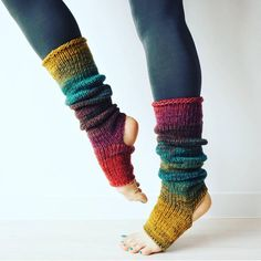 Just look at these!😍 makes the most delightful … Swoon Alert! Just look at these!😍 makes the most delightful yoga/dance socks! 😍So warm and comfy! Knitted Gloves, Knitting Socks, Hand Knitting, Knitting Patterns, Crochet Patterns, Crochet Leg Warmers, Knit Crochet, Knitting Projects, Crochet Projects