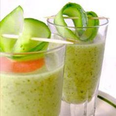 Chilled Cream of Melon Soup(Crema de Melon) Raw Food Recipes, Great Recipes, Healthy Recipes, Vitamix Recipes, Melon Soup, Avocado Soup, Grass Fed Beef, Eat Right, Gourmet