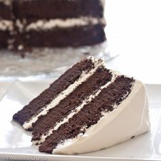 three layer chocolate cake with marshmallow frosting. Yes, folks, you read that correctly: MARSHMALLOW FROSTING. Chocolate Marshmallow Cake, Marshmallow Frosting Recipes, Tasty Chocolate Cake, Chocolate Cale, Marshmallow Cream, Caramel Frosting, Oreo Cake, Food Cakes, Cupcake Cakes