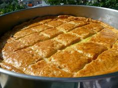 Greek Sweets, Greek Beauty, Food Decoration, Greek Recipes, Thanksgiving Recipes, Apple Pie, Cornbread, Food And Drink, Health Fitness